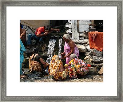Tourists Getting Ready Framed Print by Anand Swaroop Manchiraju