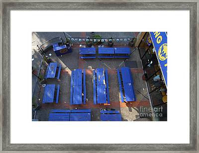 Uc Berkeley . Bears Lair Pub . 7d10010 Framed Print by Wingsdomain Art and Photography