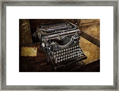 Underwood Typewriter Framed Print by Susan Candelario