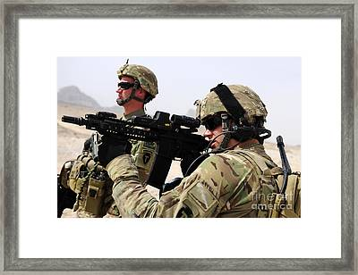 U.s. Army National Guards Pull Security Framed Print by Stocktrek Images