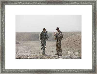 U.s. Army Soldier And German Soldier Framed Print by Terry Moore