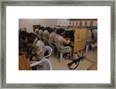 Us Army Soldiers E-mail Their Families Framed Print by Everett
