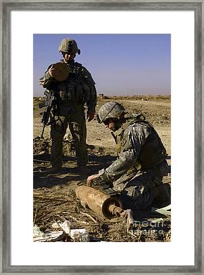 U.s. Army Soldiers Preparing Framed Print by Stocktrek Images