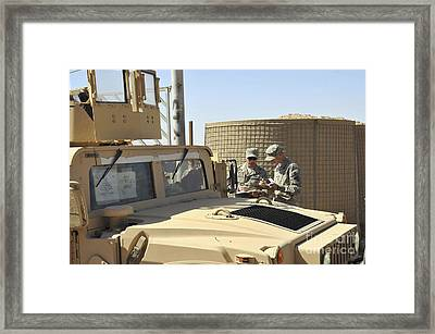 U.s. Army Soldiers Take Accountability Framed Print by Stocktrek Images