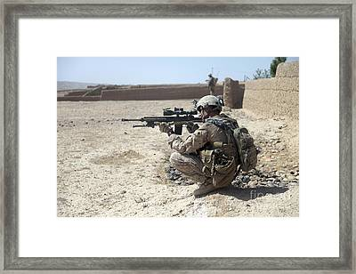U.s. Marine Uses The Mounted Scope Framed Print by Stocktrek Images