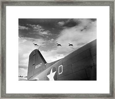 U.s. Paratroopers In Flight Manuevers Framed Print by Everett