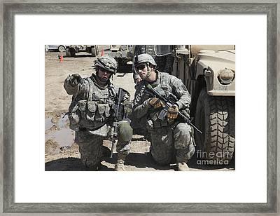 U.s. Soldiers Coordinate Security Framed Print by Stocktrek Images