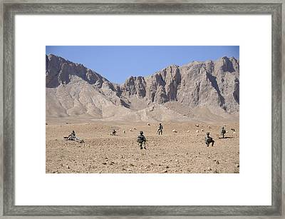 U.s. Soldiers With Take A Security Halt Framed Print
