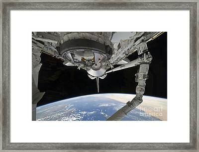 View Of Space Shuttle Discovery Framed Print by Stocktrek Images