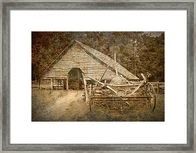 Vintage Looking Old Barn In The Great Smokey Mountains Framed Print