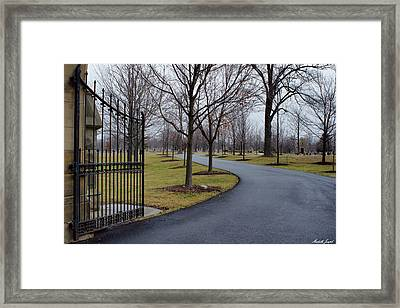 Framed Print featuring the photograph Visiting by Michelle Joseph-Long