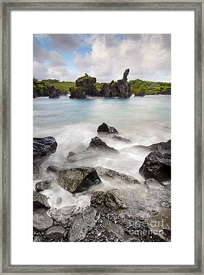 Wainapapa State Park Hana Maui Hawaii Framed Print by Dustin K Ryan
