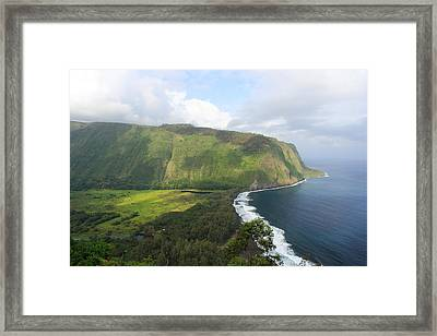 Framed Print featuring the photograph Waipio Valley by Scott Rackers