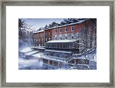 Framed Print featuring the photograph Wakefield Inn by Eunice Gibb