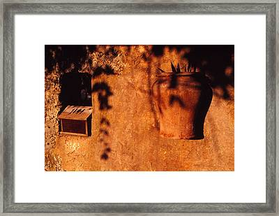 Wall Urn Framed Print by Bob Whitt