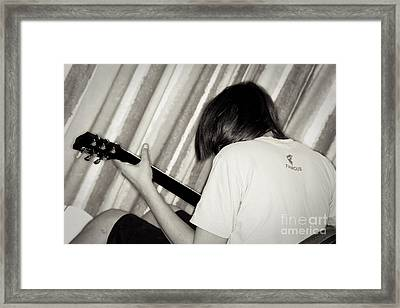 Want To Be Famous Framed Print by Yurix Sardinelly