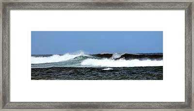 Waves On North Shore Framed Print by Elizabeth  Doran