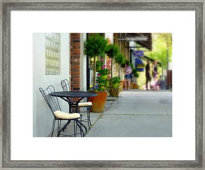 Window Shoppers Framed Print by Cindy Wright