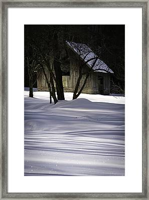 Winter Barn Framed Print by Rob Travis