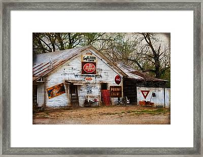Wolfe City Recreation Center Framed Print by Lisa Moore