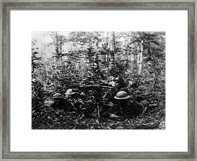 World War I, American Machine Gunners Framed Print by Everett