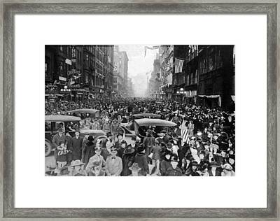 World War I, Armistice Victory Framed Print by Everett