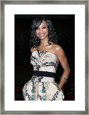 Zoe Saldana Wearing A Giambattista Framed Print by Everett