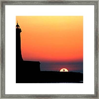Lovers In The Sunset Framed Print by Okan YILMAZ