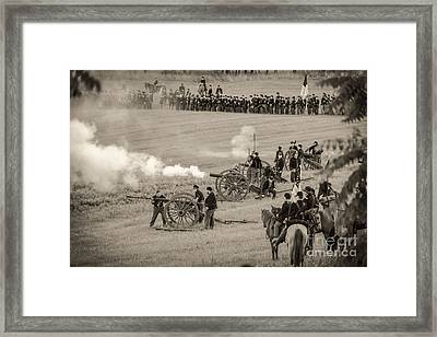 Gettysburg Union Artillery And Infantry 7439s Framed Print