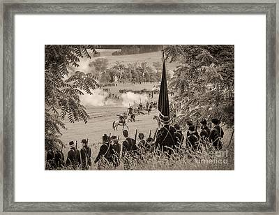 Gettysburg Union Artillery And Infantry 7457s Framed Print