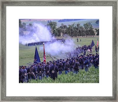 Gettysburg Union Artillery And Infantry 7496c Framed Print