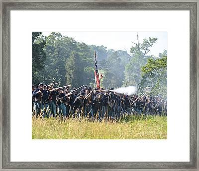 Gettysburg Union Infantry 9372c Framed Print
