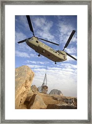 A U.s. Army Ch-47 Chinook Helicopter Framed Print