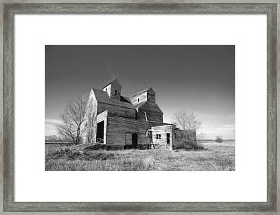 Abandoned Grain Elevator Framed Print by Donald  Erickson