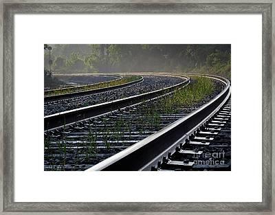 Around The Bend Framed Print by Douglas Stucky