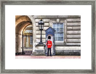 Buckingham Palace Queens Guard Art Framed Print by David Pyatt