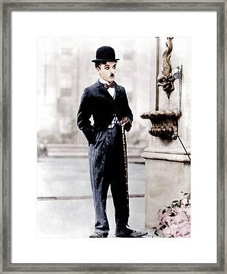 City Lights, Charlie Chaplin, 1931 Framed Print by Everett