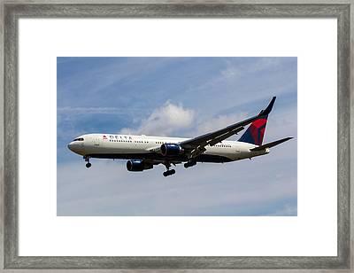Delta Airlines Boeing 767 Framed Print by David Pyatt