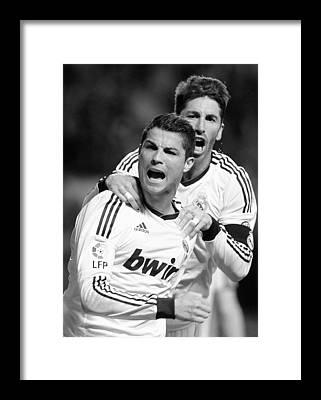 Sergio Ramos Framed Prints