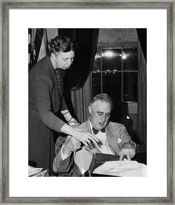 Fdr Presidency. First Lady Eleanor Framed Print by Everett