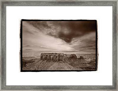 Grandview Canyonlands National Park Utah Framed Print by Steve Gadomski