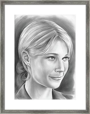 Gwyneth Paltrow Framed Print by Greg Joens