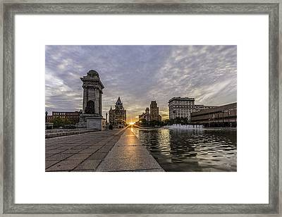 Heart Of The City Framed Print by Everet Regal