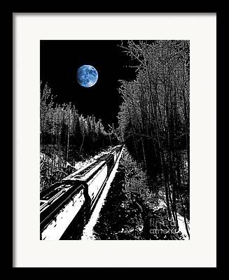 Thomas Vanselus Framed Prints