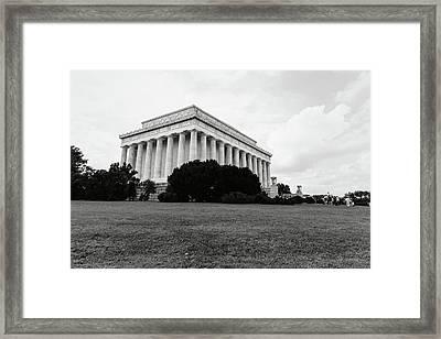 Lincoln Memorial Building Framed Print