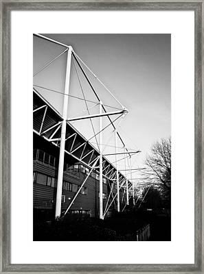 Link Centre Framed Print
