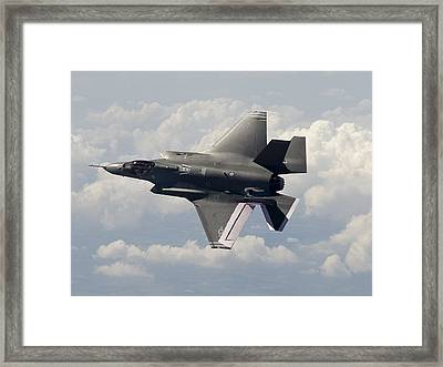 Lockheed Martin F-35 Lightening II Joint Strike Fighter Framed Print