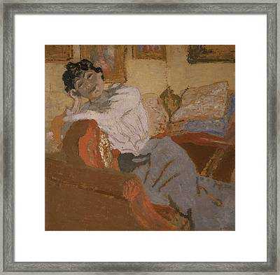Madame Hessel On The Sofa Framed Print by Edouard Vuillard