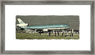 Md-11 Landing Framed Print