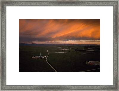 Natural Gas Drilling Rigs Dot Framed Print by Joel Sartore